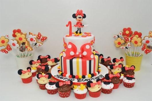 Cofetaria Sweet Ela - Tort Copii cu Minnie Mouse