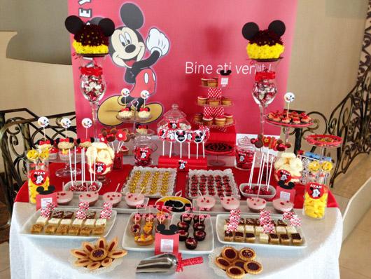 Candy Bar pentru petrecere de copii cu tema Mickey Mouse