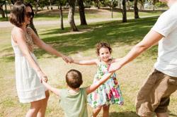 Reviste de Aprilie 2014 pentru mamici si tatici despre educarea copilului
