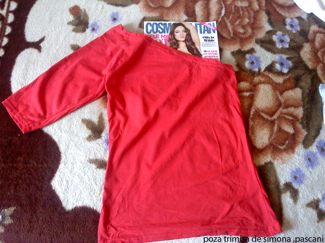 Bluza cu un umar gol, cadou la Cosmopolitan editia de Mai 2011 (reeditare)