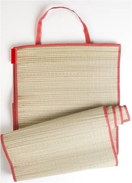 Rogojina pentru plaja ~~ cadoul revistei Beau Monde, editia Iulie-August 2011