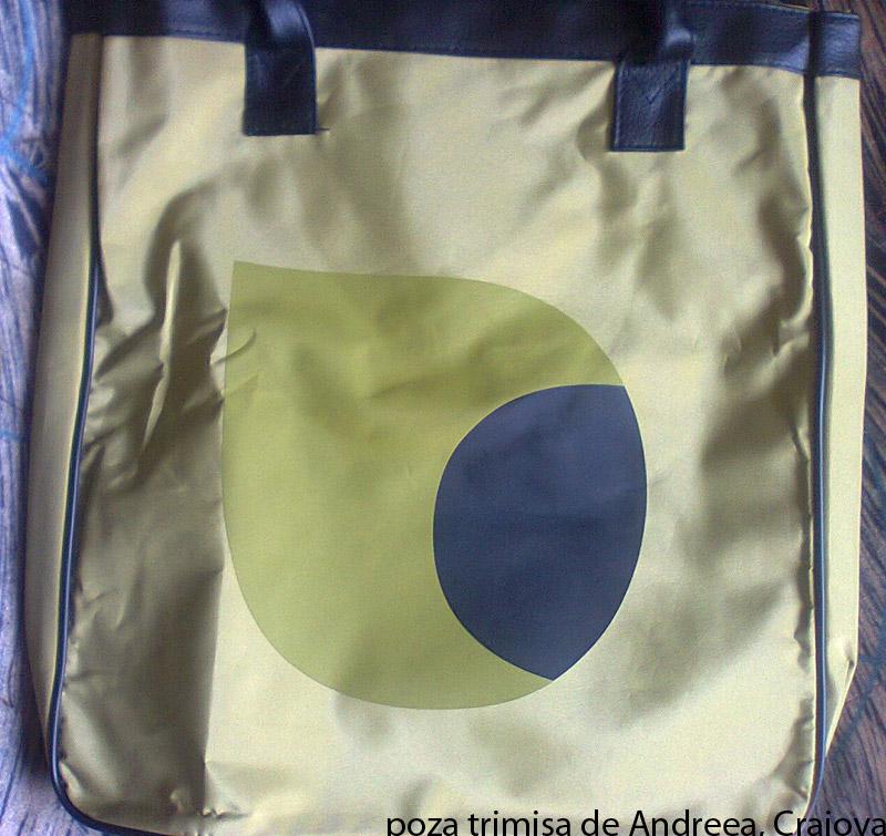 Geanta oliv de detalii negre, cadoul revistei InStyle editia de Septembrie 2011