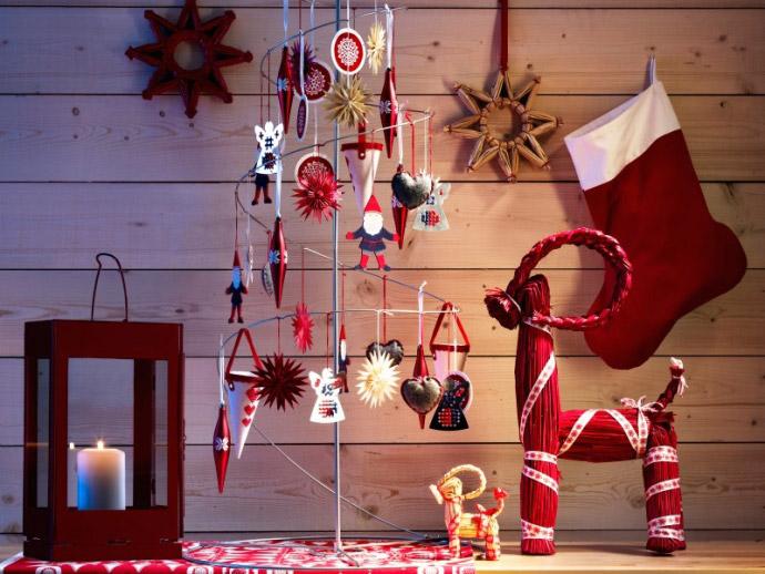 Brad de Craciun impodobit minimalist ~~ idee Ikea 2010