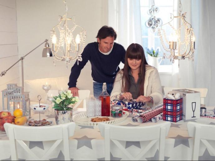 Masa de Craciun decorata ~~ idee Ikea 2010
