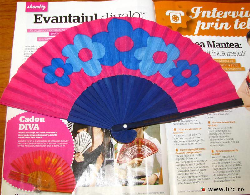 Diva :: Evantai Agatha Ruiz de la Prada (rosu si albastru) :: Iulie 2009