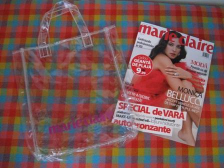 Marie Claire :: Monica Bellucci :: Geanta transparenta de plaja :: Iunie 2009