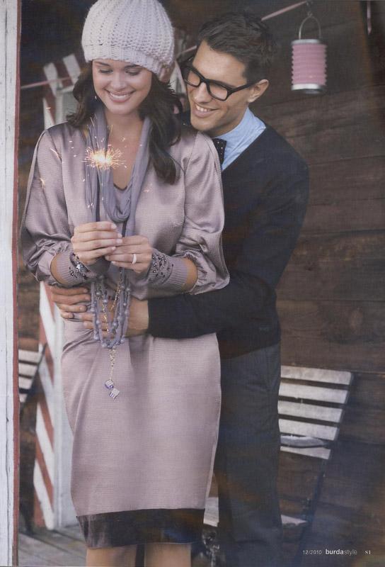 Burda Style ~~ Sugestie de purtare a manusilor fara degete (Pagina 81) ~~ Decembrie 2010