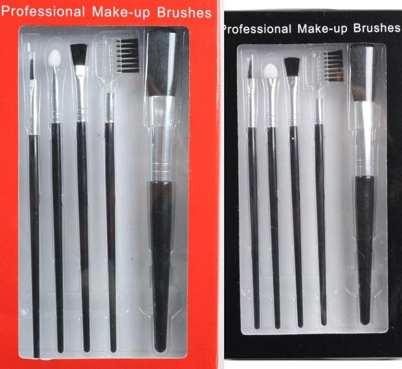 Seturile de pensule pentru machiaj de la Marie Claire, editia Decembrie 2010