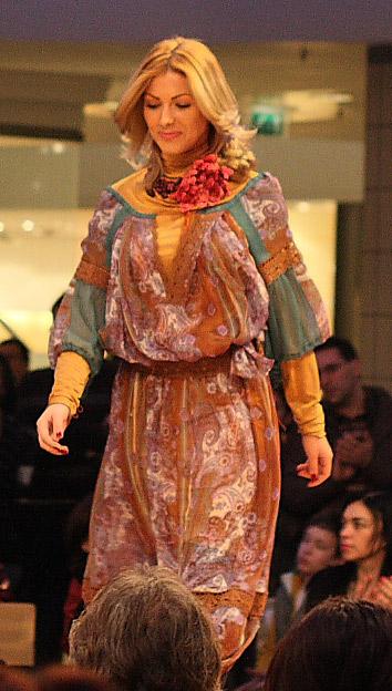 Valentina Vidrascu :: colectia La Blouse Roumaine :: Plaza Romania :: 11 Martie 2009