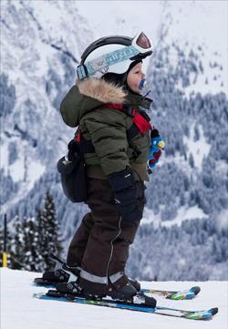 Saniute, patine si skiuri pentru copii