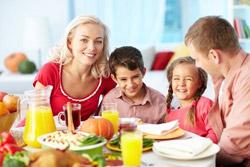 Reviste de Mai 2015 pentru mami si tati despre educarea si cresterea copilului