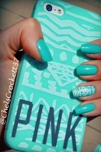 Asortezi culoarea lacului de unghii cu husa telefonului?