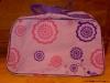 Geanta de voiaj (pe lila) cadou la revista Avantaje :: Aprilie 2009