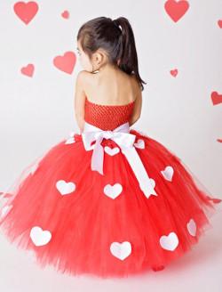 rochie rosie pentru Sf Valentin si Dragobete