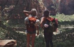 Cu prietenii in excursie la munte